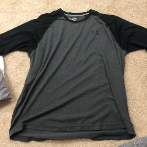 Under Armour black and gray 3/4 sleeve men's